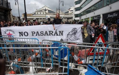 barricade-nnn